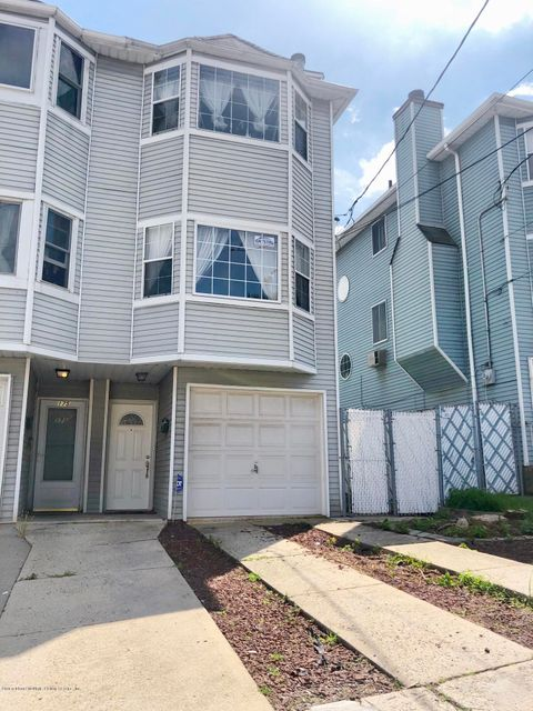 Single Family - Semi-Attached in Willowbrook - 177 Roosevelt Avenue  Staten Island, NY 10314