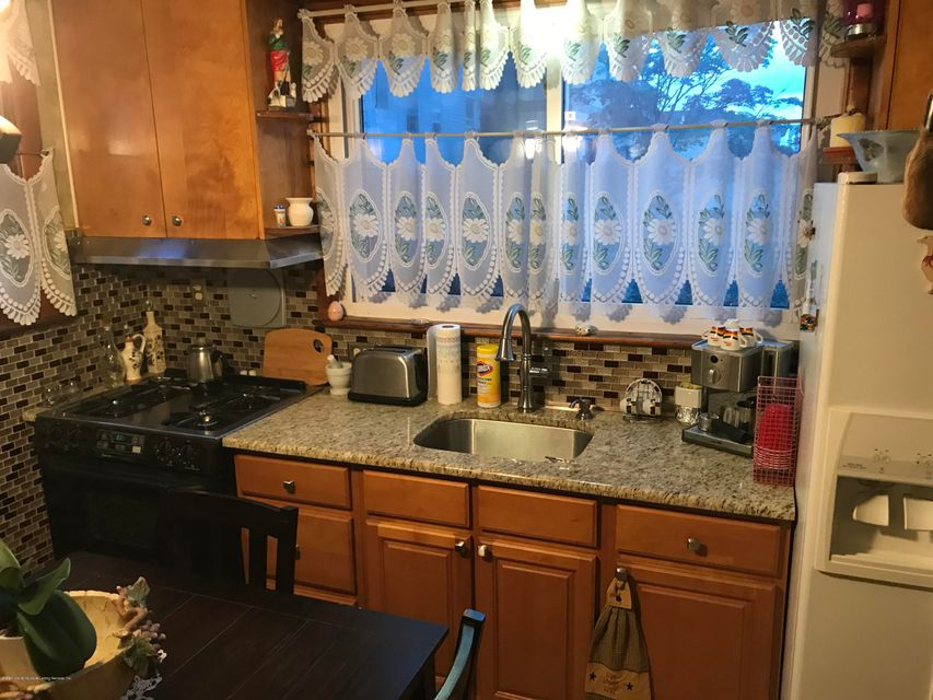 Two Family - Detached 25 Pleasant Valley Ave   Staten Island, NY 10304, MLS-1121639-2