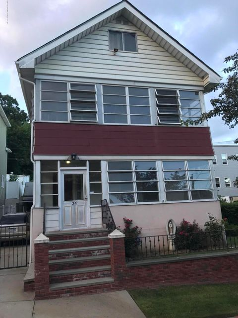 Two Family - Detached in Grymes Hill - 25 Pleasant Valley Ave   Staten Island, NY 10304