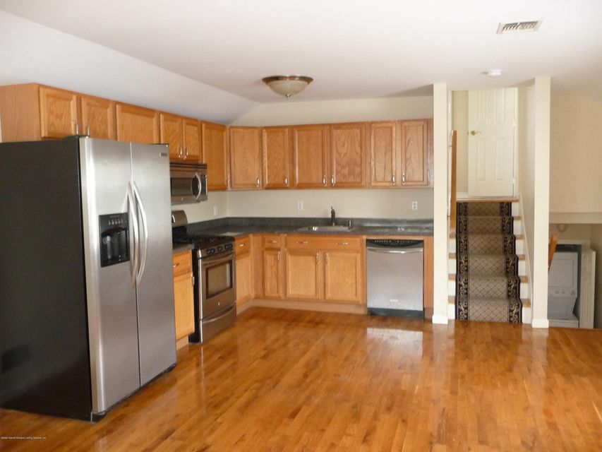 Two Family - Attached 61 Renfrew Place  Staten Island, NY 10303, MLS-1114713-24