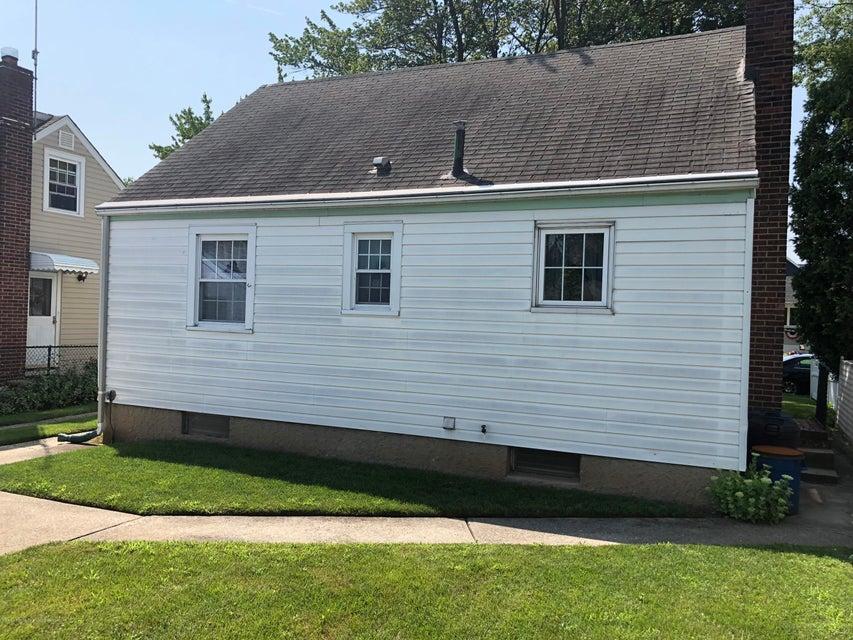Single Family - Detached 381 Lathrop Avenue  Staten Island, NY 10314, MLS-1121819-2