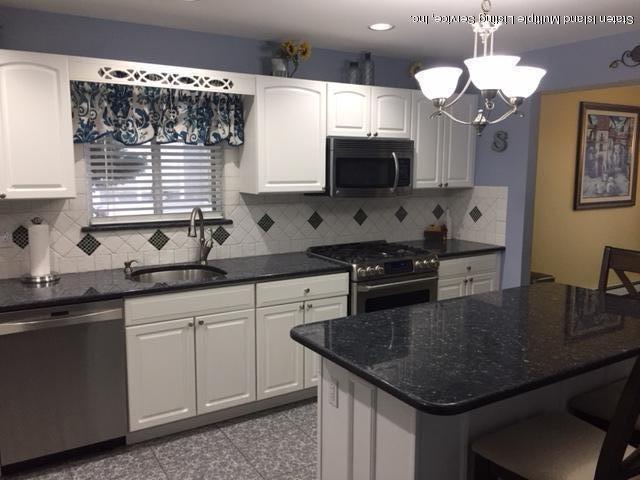 Two Family - Detached 250 Mcbaine Avenue  Staten Island, NY 10309, MLS-1121834-7