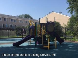 Condo 35 Arrowood Court  Staten Island, NY 10309, MLS-1121676-28