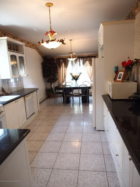 Two Family - Detached 5787 Hylan Boulevard  Staten Island, NY 10309, MLS-1121889-10