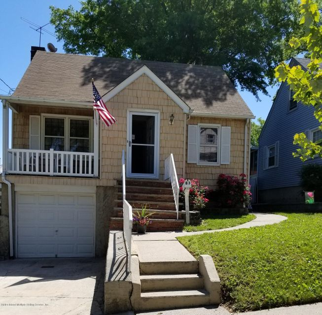 Single Family - Detached in Westerleigh - 83 Crafton Avenue  Staten Island, NY 10314