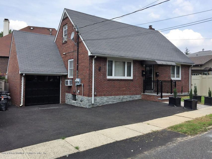 Two Family - Detached 125 Beverly Avenue  Staten Island, NY 10301, MLS-1122037-2