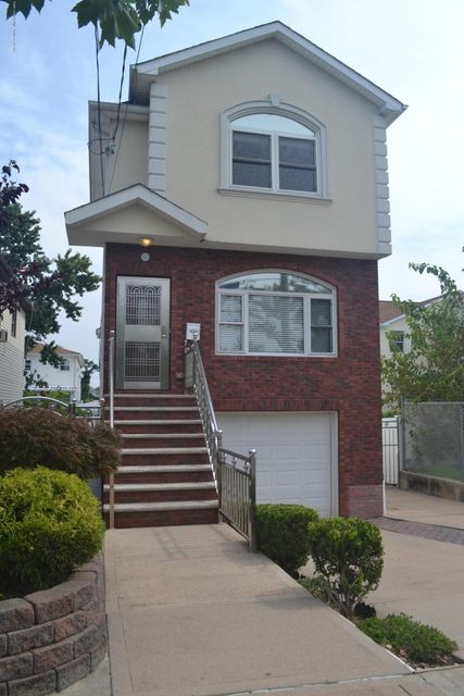Single Family - Detached in Midland Beach - 367 Bedford Avenue  Staten Island, NY 10306