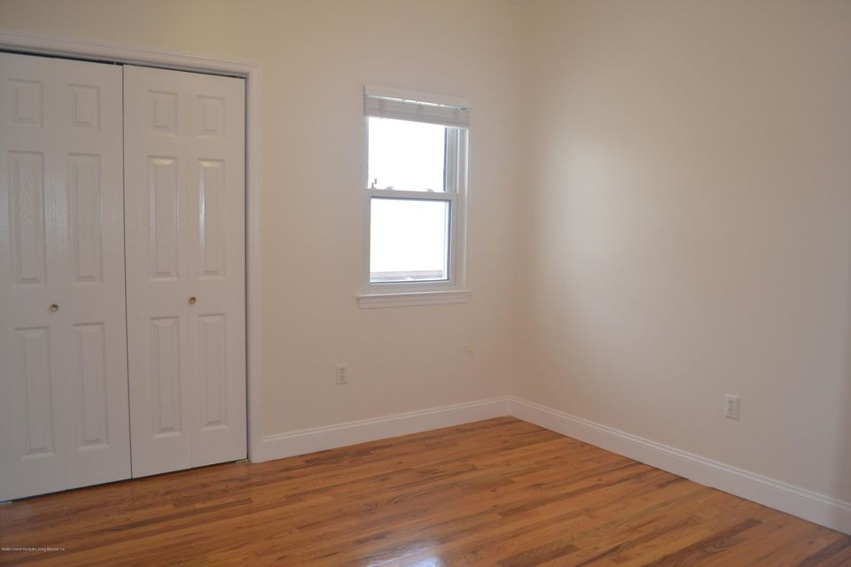 Single Family - Detached 367 Bedford Avenue  Staten Island, NY 10306, MLS-1122009-13