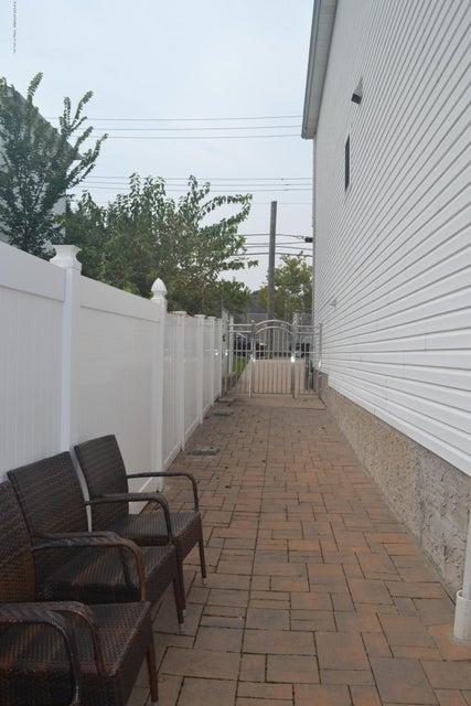 Single Family - Detached 367 Bedford Avenue  Staten Island, NY 10306, MLS-1122009-30