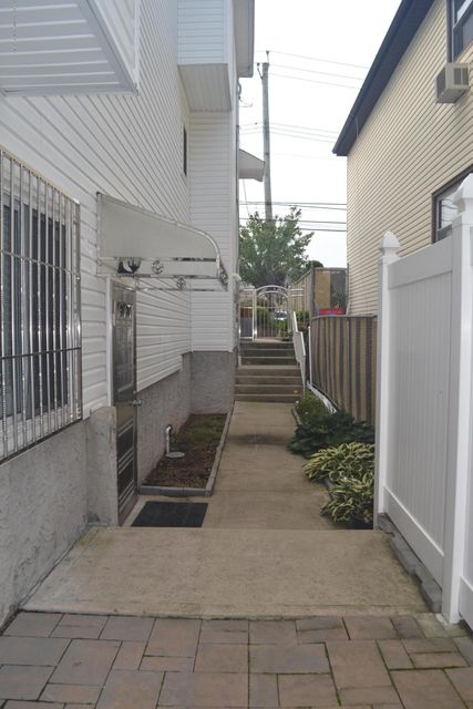 Single Family - Detached 367 Bedford Avenue  Staten Island, NY 10306, MLS-1122009-26