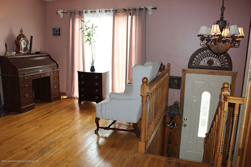 Single Family - Semi-Attached 261 Grantwood Avenue   Staten Island, NY 10312, MLS-1122079-4