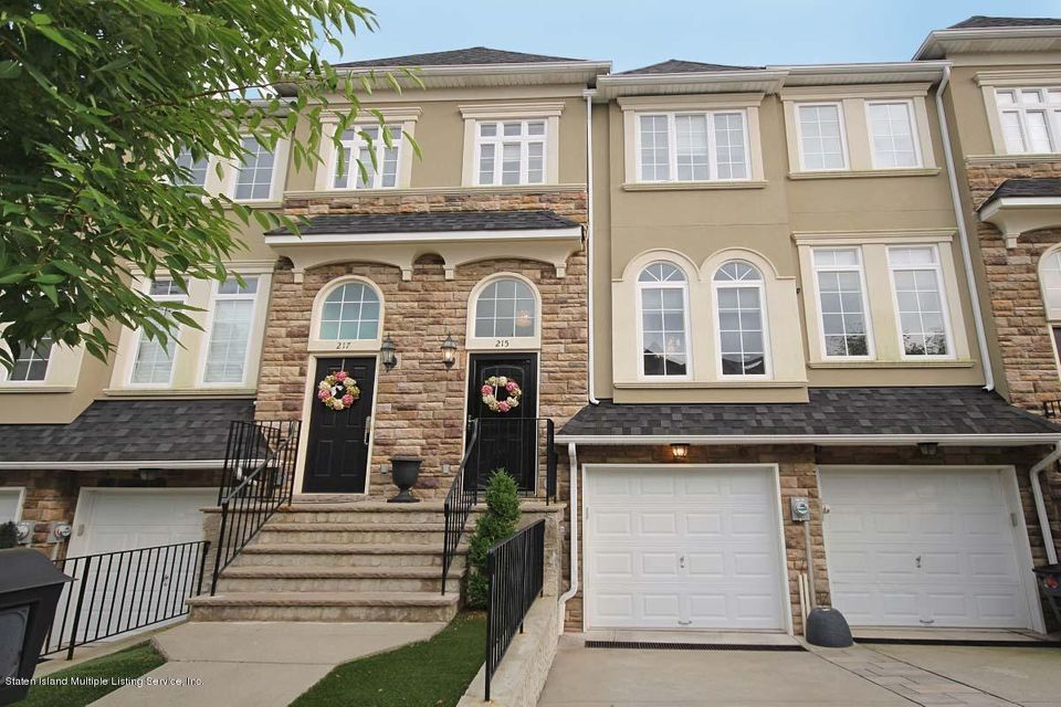 Single Family - Attached in Annadale - 215 Presentation Circle  Staten Island, NY 10312