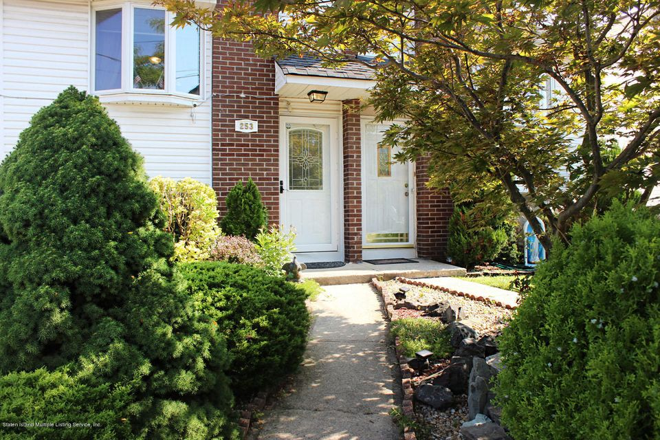 Single Family - Semi-Attached 253 Slater Boulevard  Staten Island, NY 10305, MLS-1117873-4