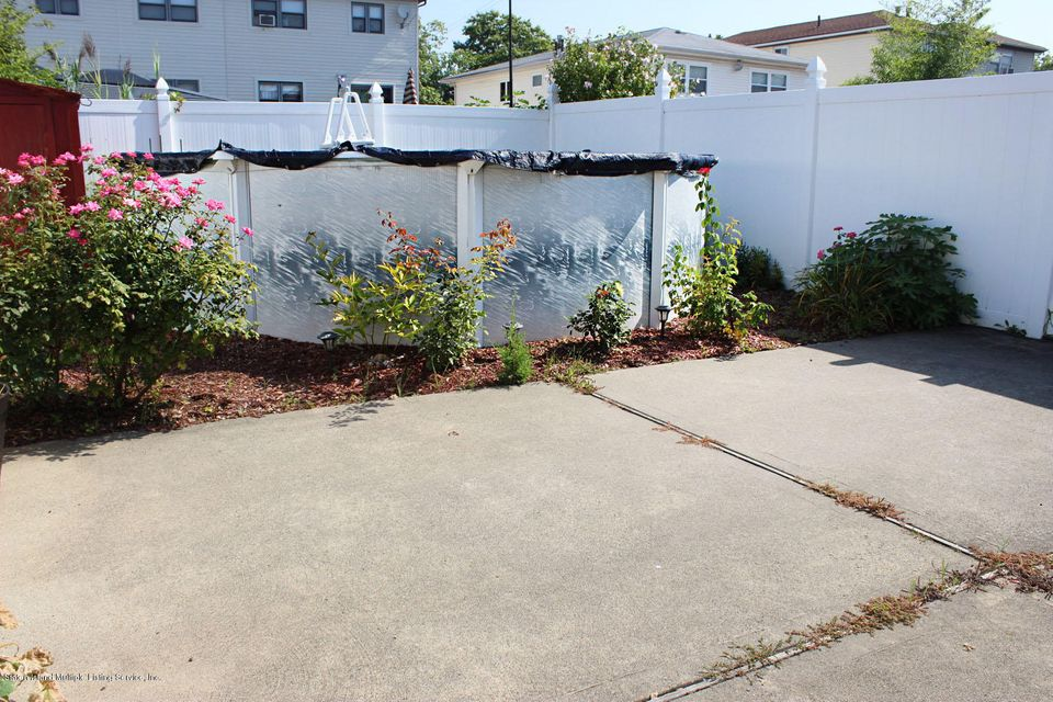 Single Family - Semi-Attached 253 Slater Boulevard  Staten Island, NY 10305, MLS-1117873-21