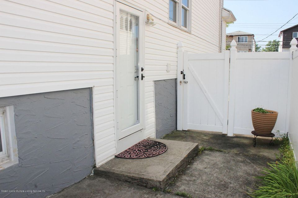 Single Family - Semi-Attached 253 Slater Boulevard  Staten Island, NY 10305, MLS-1117873-23