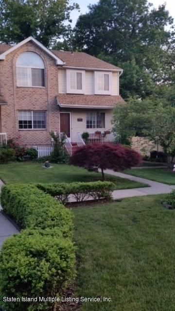 Condo in Willowbrook - 20 Dreyer Ave  B  Staten Island, NY 10314