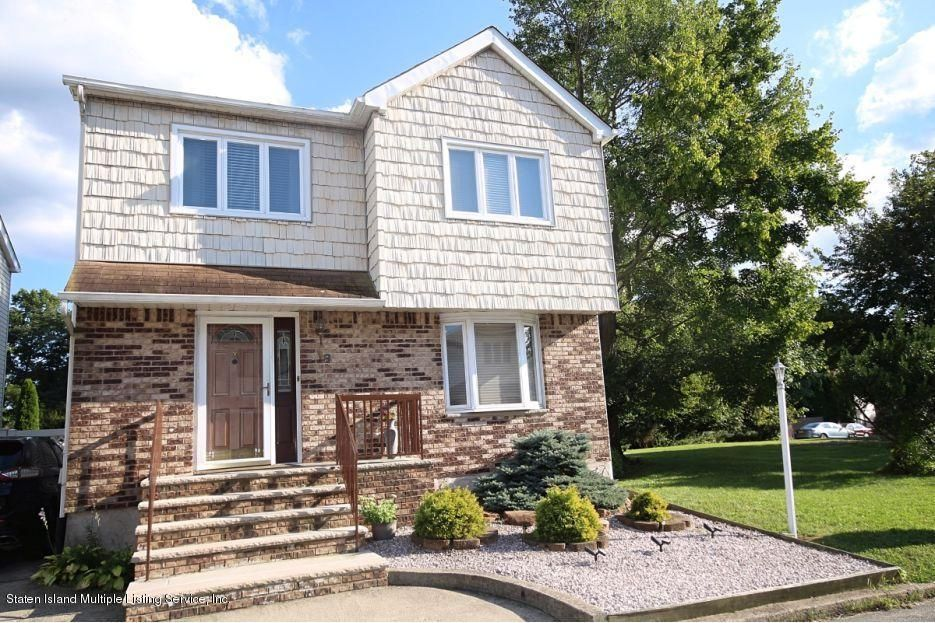 Single Family - Detached in Huguenot - 18 Eugene Place  Staten Island, NY 10312