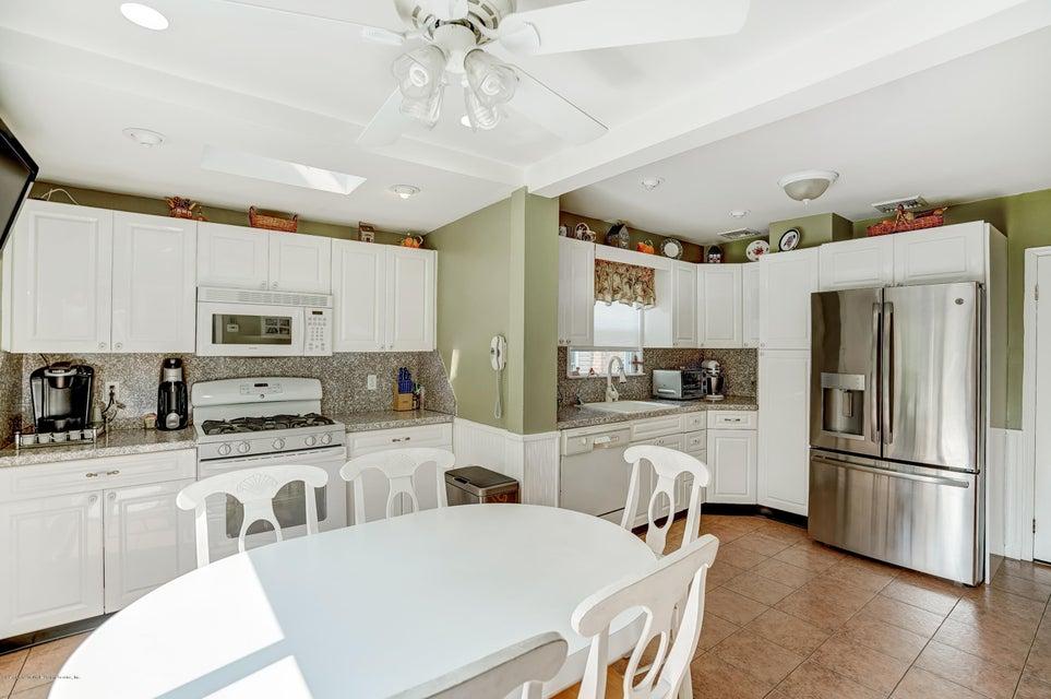 Single Family - Detached 150 Lindenwood Road  Staten Island, NY 10308, MLS-1122406-10