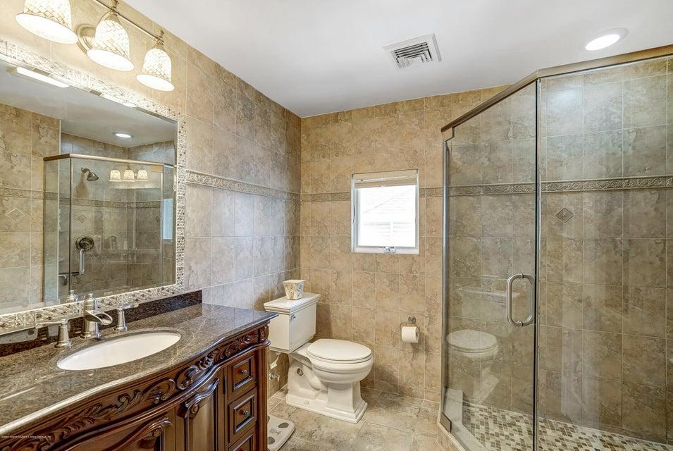 Single Family - Detached 150 Lindenwood Road  Staten Island, NY 10308, MLS-1122406-16