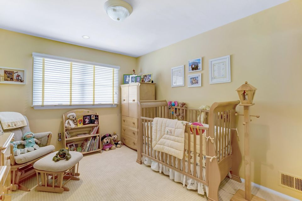 Single Family - Detached 145 Cedarview Avenue  Staten Island, NY 10306, MLS-1122443-25