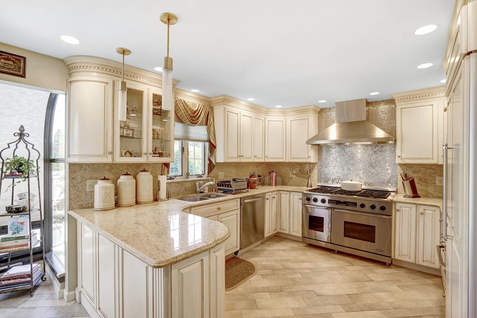 Single Family - Detached 145 Cedarview Avenue  Staten Island, NY 10306, MLS-1122443-8