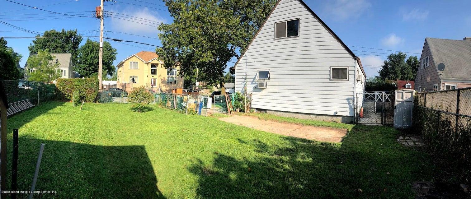 Single Family - Detached 207 Fanning Street  Staten Island, NY 10314, MLS-1122522-18