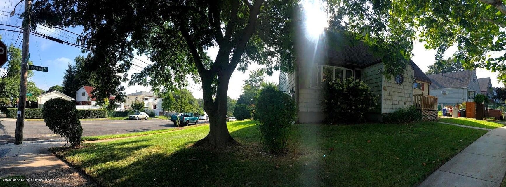 Single Family - Detached 207 Fanning Street  Staten Island, NY 10314, MLS-1122522-25