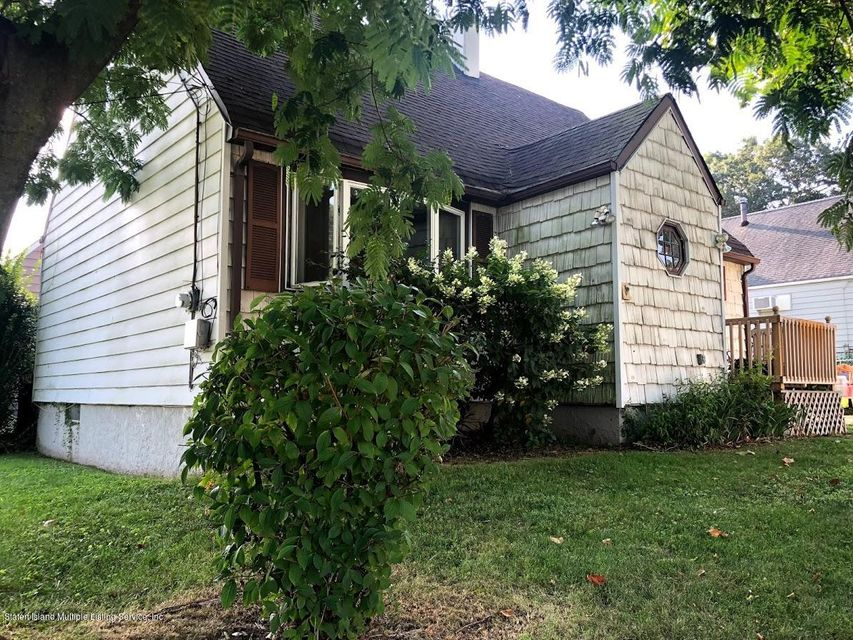 Single Family - Detached 207 Fanning Street  Staten Island, NY 10314, MLS-1122522-26