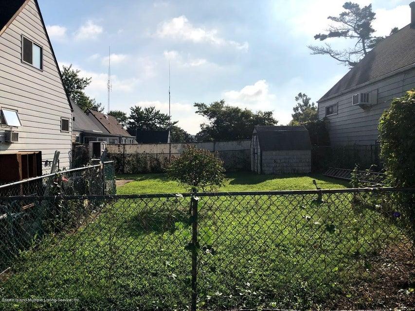 Single Family - Detached 207 Fanning Street  Staten Island, NY 10314, MLS-1122522-31