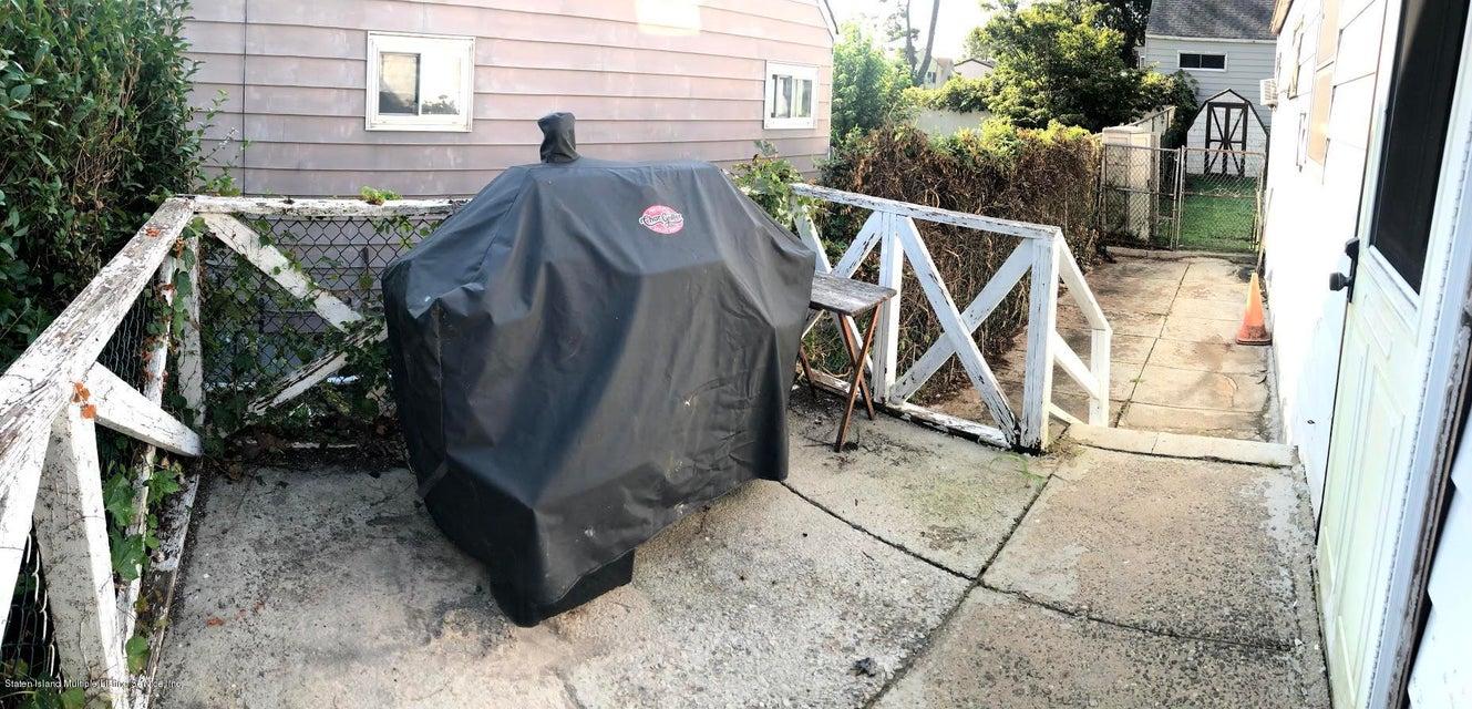 Single Family - Detached 207 Fanning Street  Staten Island, NY 10314, MLS-1122522-33
