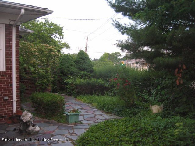Single Family - Detached 552 Steuben Street  Staten Island, NY 10305, MLS-1122541-43