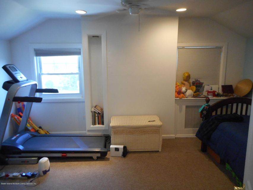 Single Family - Detached 114 Hartford Avenue  Staten Island, NY 10310, MLS-1122485-16
