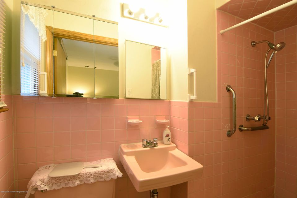 Single Family - Detached 52 Nixon Avenue  Staten Island, NY 10304, MLS-1122629-15