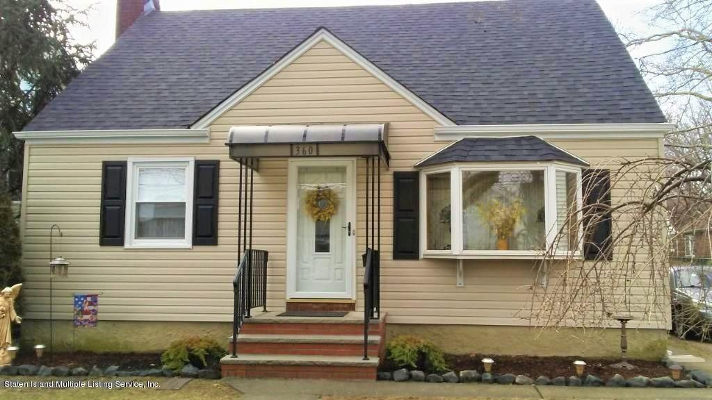 Single Family - Detached in New Dorp - 360 Beach Avenue  Staten Island, NY 10306