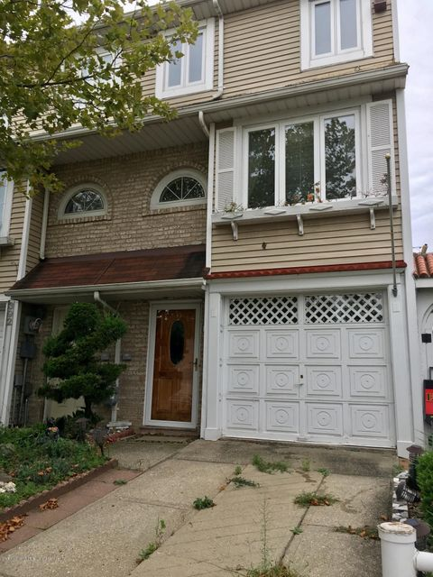 Single Family - Attached in Graniteville - 394 Wilcox Street  Staten Island, NY 10303