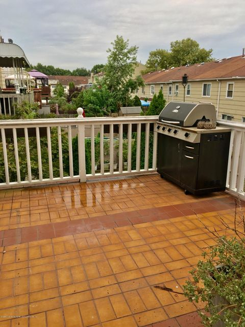 Single Family - Attached 394 Wilcox Street  Staten Island, NY 10303, MLS-1122681-20