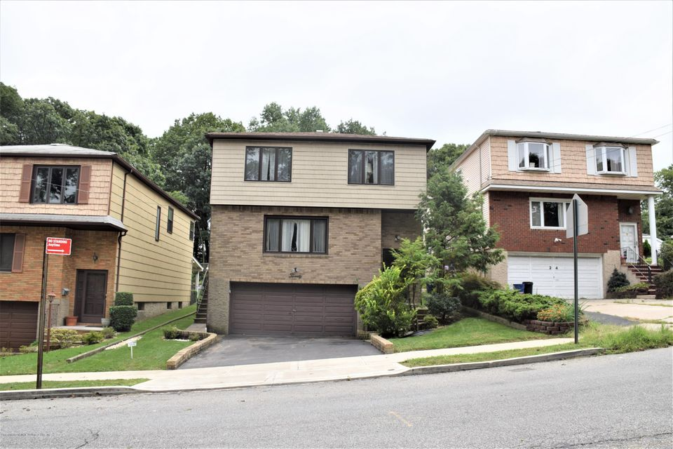 Two Family - Detached in Lower Todt Hill - 20 Windsor Rd   Staten Island, NY 10314