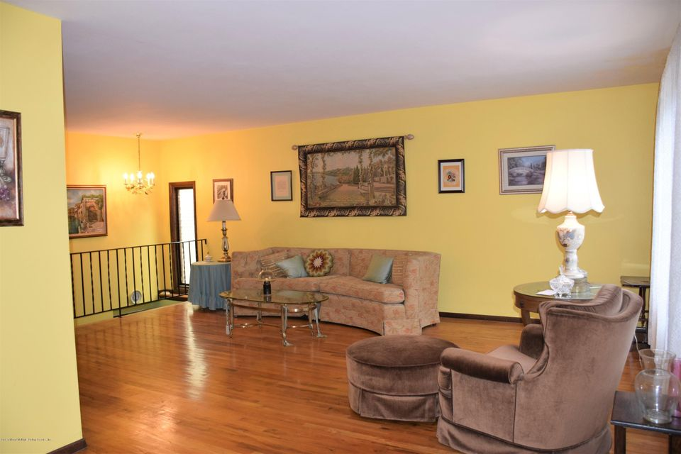 Two Family - Detached 20 Windsor Rd   Staten Island, NY 10314, MLS-1122724-5