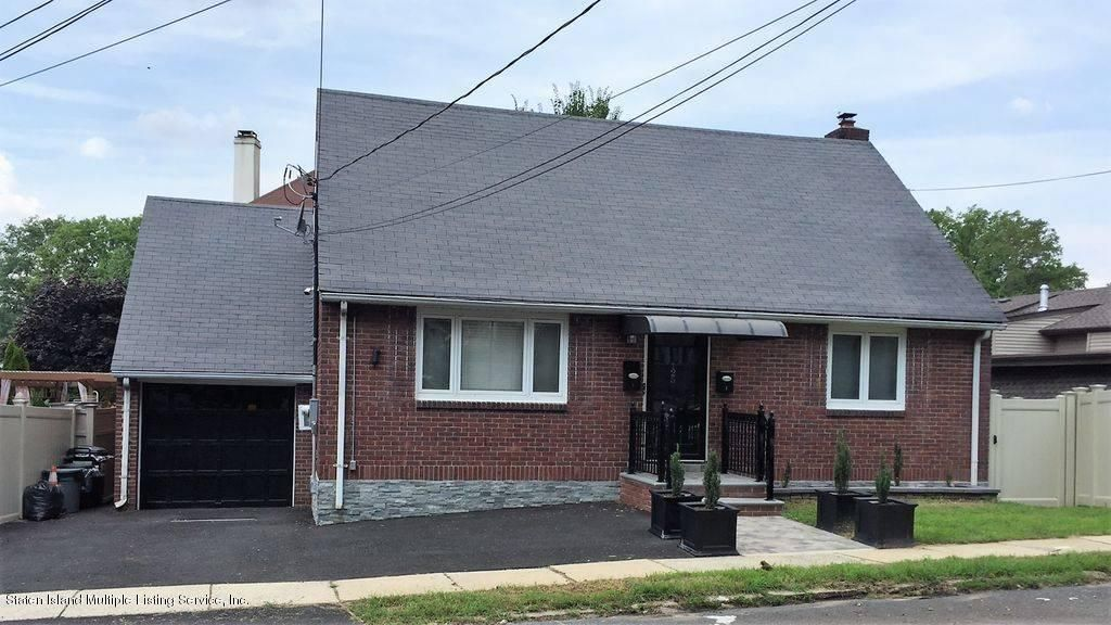 Two Family - Detached in Sunnyside - 125 Beverly Avenue  Staten Island, NY 10301
