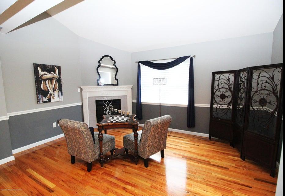 Single Family - Detached 37 Pond Street  Staten Island, NY 10309, MLS-1122869-10