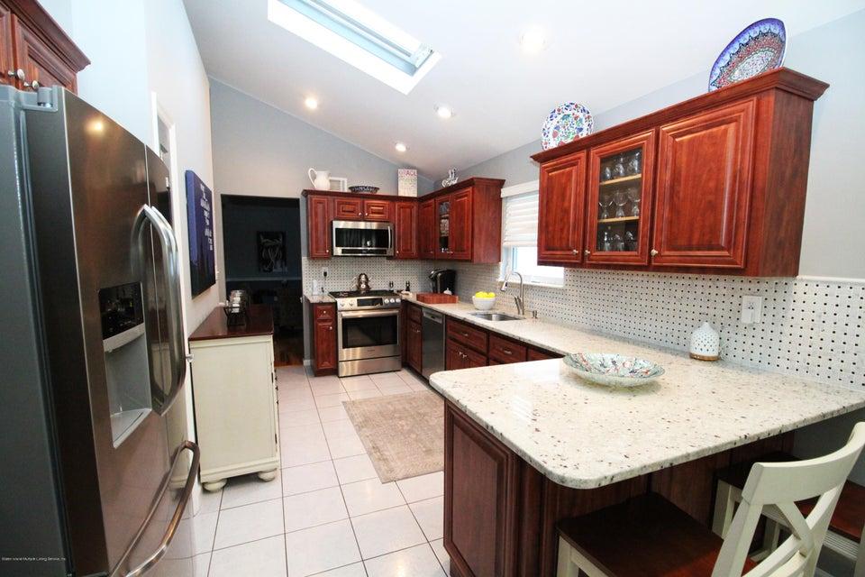 Single Family - Detached 37 Pond Street  Staten Island, NY 10309, MLS-1122869-14