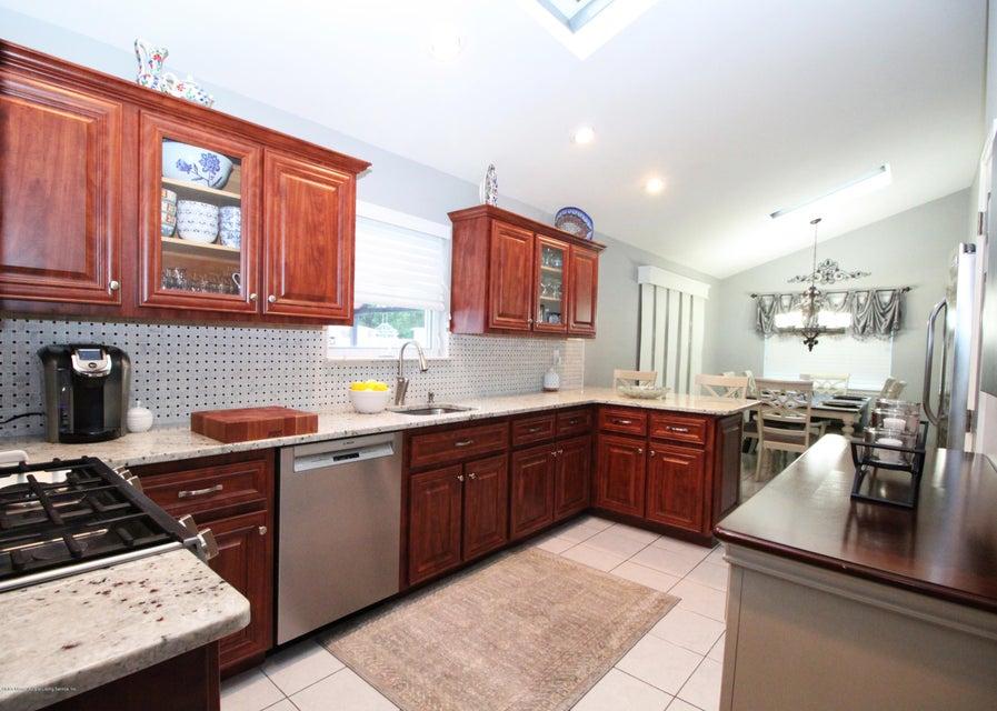 Single Family - Detached 37 Pond Street  Staten Island, NY 10309, MLS-1122869-15