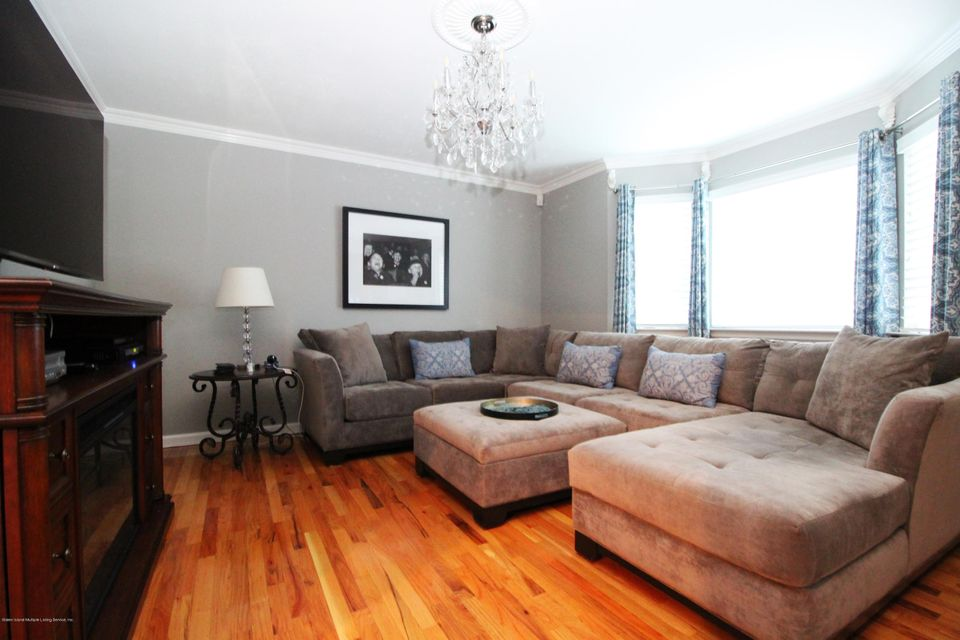 Single Family - Detached 37 Pond Street  Staten Island, NY 10309, MLS-1122869-18