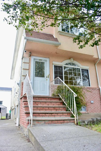 Single Family - Semi-Attached 109 Harris Lane  Staten Island, NY 10309, MLS-1122923-2