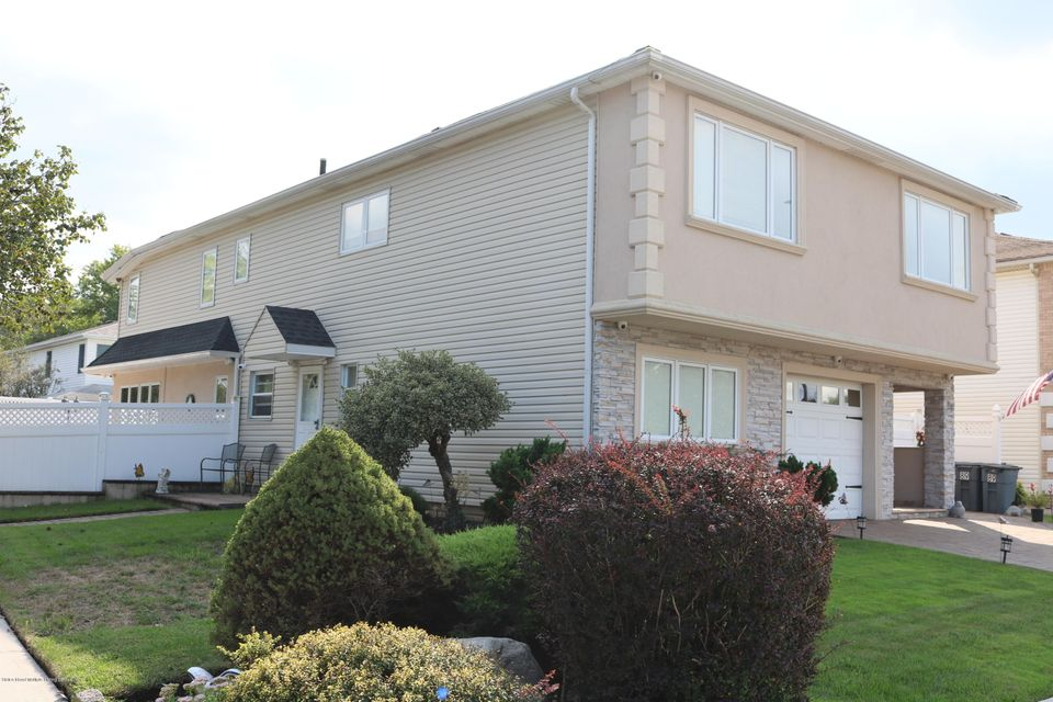 Two Family - Detached 89 Dawson Circle  Staten Island, NY 10314, MLS-1122943-2