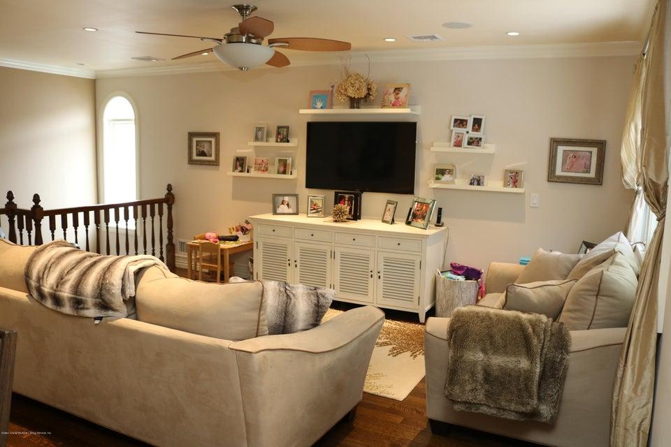 Two Family - Detached 89 Dawson Circle  Staten Island, NY 10314, MLS-1122943-4
