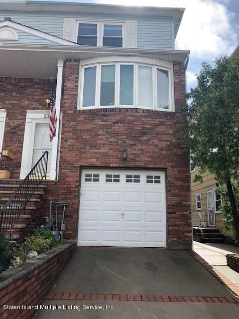 Two Family - Semi-Attached in Great Kills - 23 Cherrywood Court  Staten Island, NY 10308