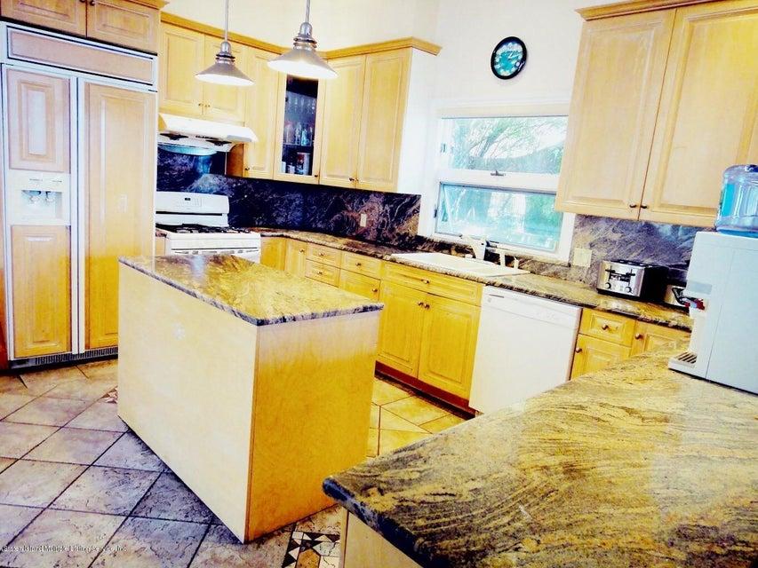 Single Family - Detached 132 Overlook Avenue  Staten Island, NY 10304, MLS-1123090-3