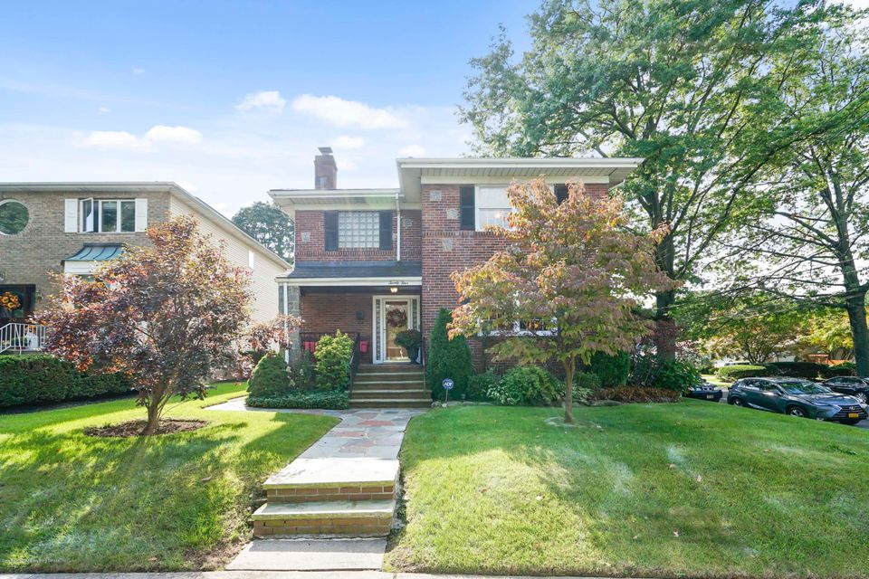 Single Family - Detached in Sunset Hill - 24 Birch Avenue  Staten Island, NY 10301