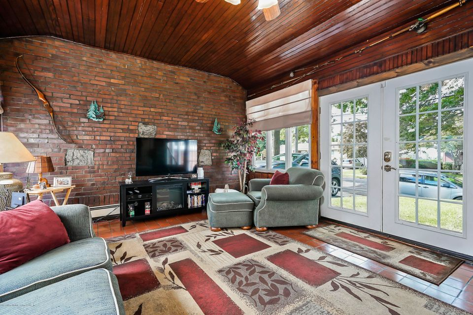 Single Family - Detached 24 Birch Avenue  Staten Island, NY 10301, MLS-1123148-18